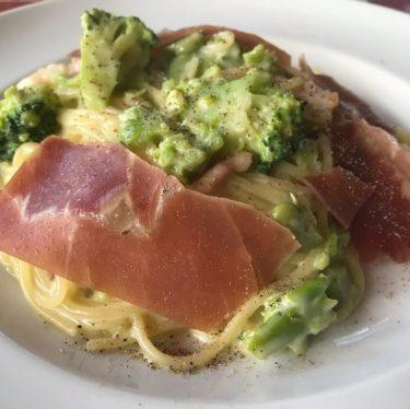 4月のおすすめパスタ〜空豆のクリームソーススパゲティ 生ハム添え〜