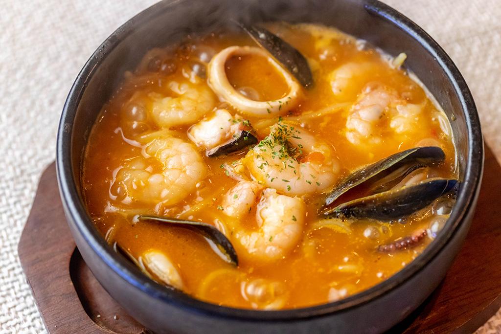 海老たっぷり石焼スープスパ